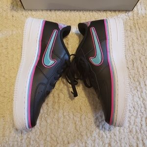 NWT Nike Air Force 1 Black Pink Teal